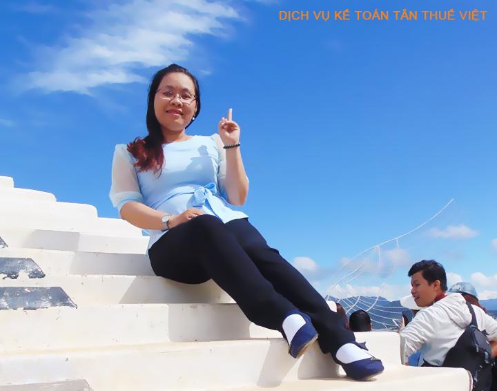 Chị Lan Kế Toán Quản lý dich vu ke toan Tan Thue Viet
